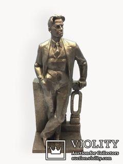 Скульптура Маяковский