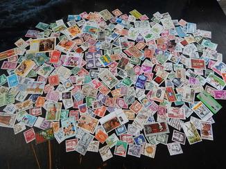 Марки разных стран мира 300 шт.