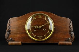 Каминные часы Uhrenwerk Schwarzwald GmbH, Villingen. Германия (0482)