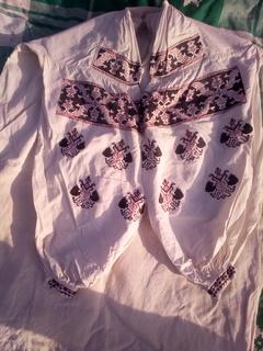 Старая женская вышиванка