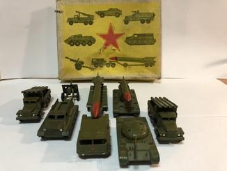 Игрушки металические литые Военная техника