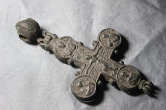 Хрест енколпіон 12-13 століття