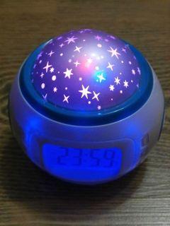 Ночник с часами с проектором звезд + встроенный календарь, таймер и термометр