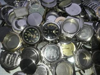 Китайские корпуса , браслеты , циферблаты , механизмы .