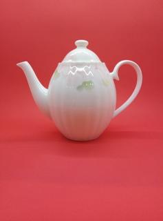 Чайник заварочный , костный фарфор.