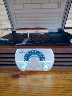 Радіопрогравач вінілових пластинок AUNA новий Германія.