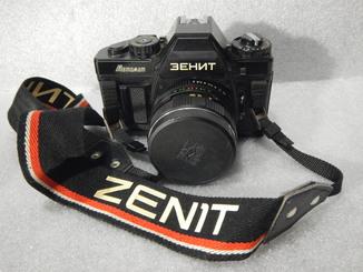 Фотоаппарат Зенит-Автомат № 8807812 с «HELIOS-44К-4 2/58» № 8803069