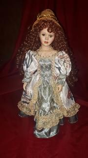 Кукла фарфоровая (на подставки)