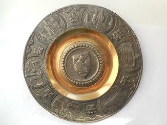 Настенная тарелка Города (крепости) цветной металл