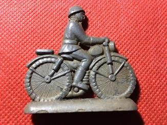 Солдат мотоциклист
