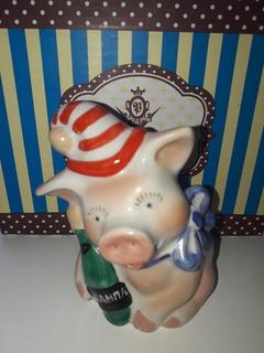 Свинья-свинка из шампанским