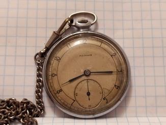 """Часы карманные """"Молния"""" ЧК-6 СССР на 15 камнях 1-51 года Ч23( рабочие)."""