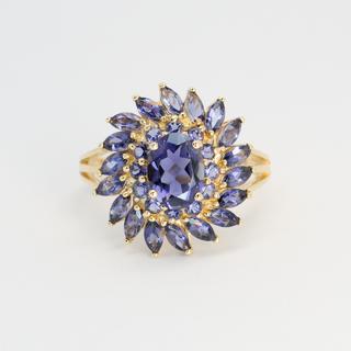Золотое кольцо с натуральными иолитами