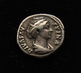 Денарий Фаустина серебро 3.77 г