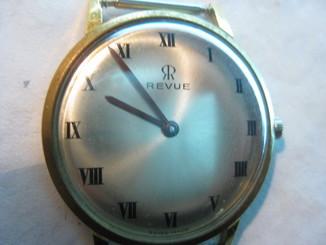 Часы REVUE