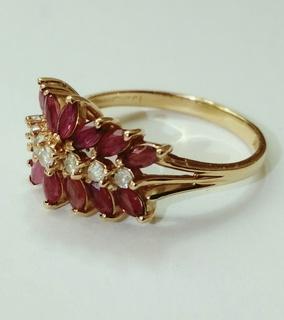 Винтажное золотое кольцо с натуральными рубинами и бриллиантами