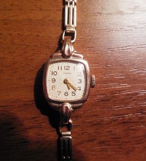 Золотые часы Заря 583 пробы с браслетом СССР