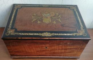 Шкатулка для драгоценностей на Бодуарный столик 19-Век