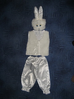 Новогодний костюм ( Зайчик).
