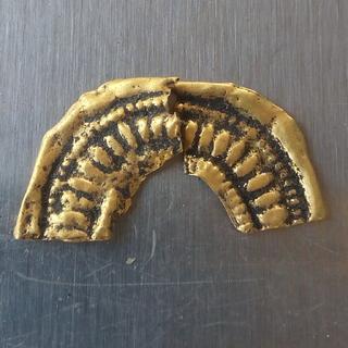 Золота накладка на фібулу