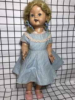 Большая Кукла из жесткого звенящего пластика. Паричковая.