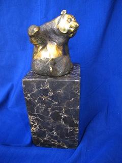 Бронзовая статуэтка Панда