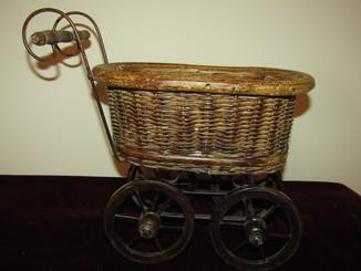 Винтажная кроватка - коляска для кукол кашпо для комнатных растений