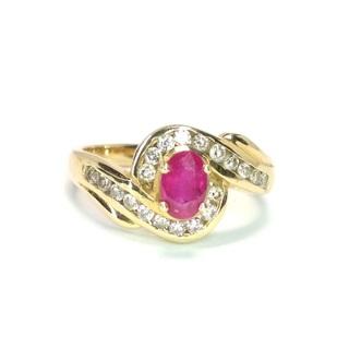 Золотое кольцо с натуральным рубином и бриллиантами