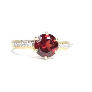 Золотое кольцо с круглым гранатом и бриллиантами