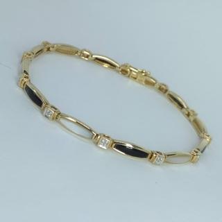Золотой браслет (10к) с ониксом, перламутром и бриллиантами