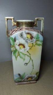 Фарфоровая ваза Япония. Ручная роспись.