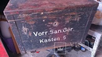 Ящик Німецький медичний 42 чи 43 року, клейма та написи.