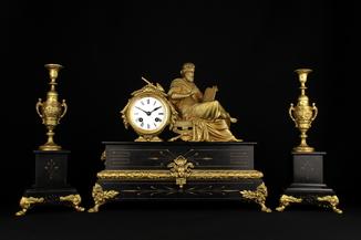 Старые каминные часы с подсвечниками. Мрамор. 14,5 кг. Франция.