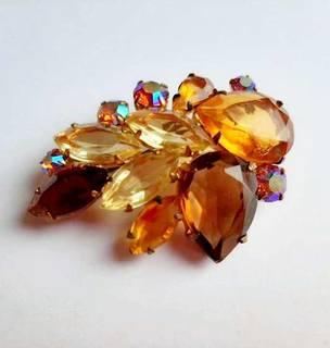 Чешская брошь с оранжевыми кристаллами