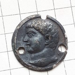 Привеска ЧК с профилем императора