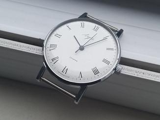 Часы Луч (циферблат с римскими цифрами)
