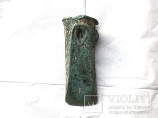 Кельт восточнотрансильванского типа с арковидной фаской и пещеркой культуры Ноуа