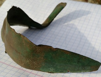 Бронзовый нож