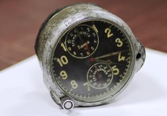 Часы Самолётные АЧХ 27. 450гр.