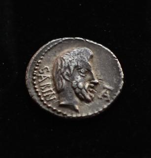 Титурий Сабин легат Юлия Цезаря 89 год до н э серебро 3.87 г