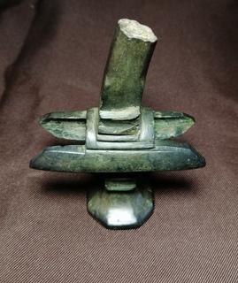 Бойовий бронзовий клевець
