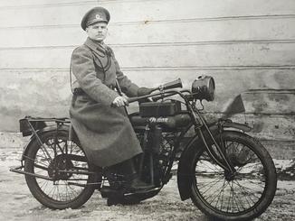 Раритетная фотографии мотоцикла 1900х годов