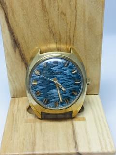 Часы Полёт Гильоше на циферблате