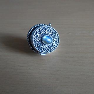 Кольцо-тайник с лабрадором