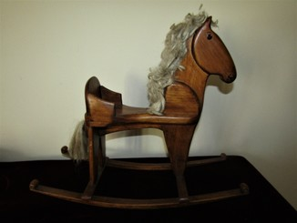 Старинная игрушка лошадь - качалка для кукол Германия
