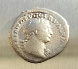 Денарий Траяна -- 103-111 гг.