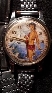 Рабочие часы,СССР,с рисунком купальщицы на циферблате. МЧЗ.