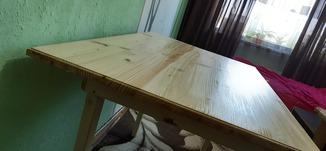 Простий кухонний стіл на 6 персон з ялини