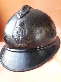 Каска Адриана 1915 года, кокарда французских военных инженеров