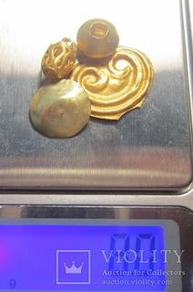 Золотые бусинки ЧК, золотая сережка скифов, золотая луница ЧК.